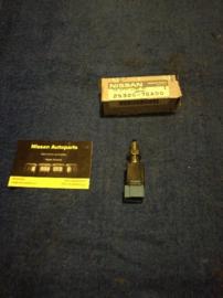 Remlichtschakelaar Nissan 25320-75A00