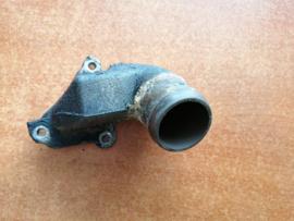 Koelwateruitlaatflens SR20DE Nissan 11060-2F200 P11/ V10/ WP11