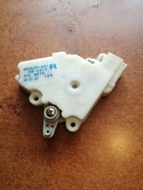 Deurslot mechaniek rechtsvoor Nissan Primera P10 80552-01U61