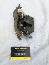 Deurslot linksvoor Nissan A32/N14/N15 80503-C9970