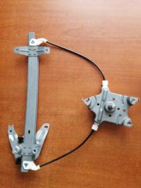 Raammechanisme linksachter Nissan Primera P11/ WP11 82701-2F010