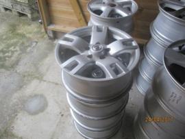 Set aluminium velgen 5 x 114,3. asgat 66,1, 16 inch origineel Nissan
