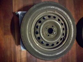 2x Wiel met band 165/70R14 Nissan Micra K12 40300-AX607