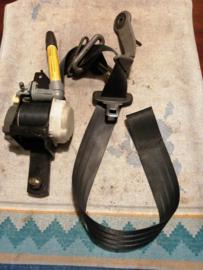 Veiligheidsgordelspanner rechtsvoor Nissan Almera N15 86884-1N000