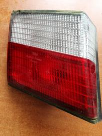 Achterlicht links binnenste Nissan Primera P11 - sedan 26555-2F925