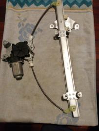 Raammechanisme linksvoor Nissan Almera Tino V10 80701-BU010