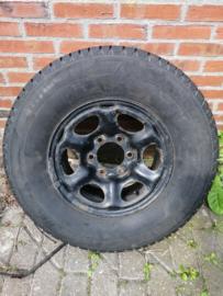 Stalen wiel 7J X 15 met Michelin Latitude Alpine band 235/75R15 40300-7F000