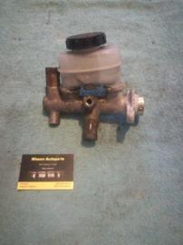 Hoofdremcilinder Nissan 46010-65C00 B13/N14