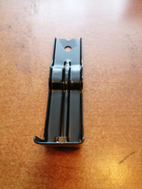 Montagesteun achterbumper Nissan Serena C23 85270-9C500