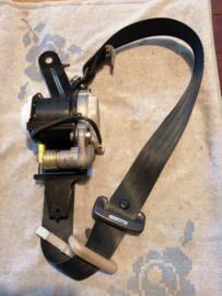 Veiligheidsgordelspanner linksvoor Nissan Almera N16 86885-BM880
