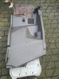 Zijafscherming kofferbak Nissan Bluebird T72 84951-Q9601