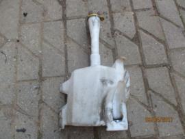 Ruitensproeierreservoir Nissan Almera N16 28910-BM405