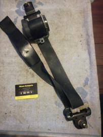 Veiligheidsgordelspanner linksvoor Nissan Sunny N14 86845-56C00