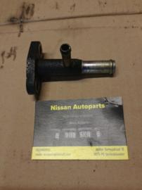 Aansluitflens koelwaterslang motoroliekoeler Nissan YD22DDT 14075-AD200