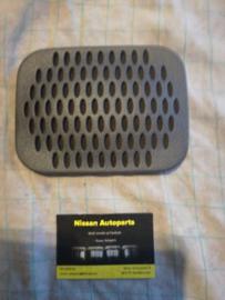 Afdekkap speaker linksachter Nissan Terrano2 R20 28175-0F000