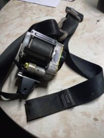 Veiligheidsgordelspanner linksvoor Nissan Almera N16 86885-BM600