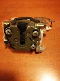 Achterdeurslot Nissan Terrano2 R20 90503-0F015