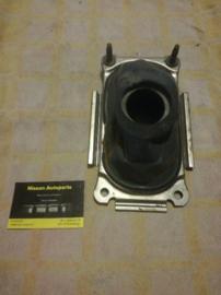 Afdekkap versnellingspookgat Nissan Micra K11 74965-4F100
