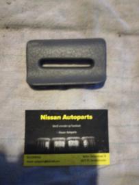 Afdekkap links veiligheidsgordel achterbank Nissan Terrano2 R20 76973-0F000