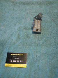 Montagesteun zekeringenkast Nissan Micra K11 24317-6F600