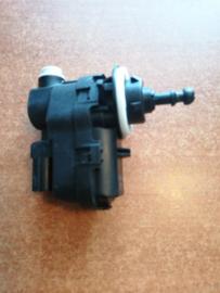 Lichthoogteregelaar / koplampstelmotor Nissan Primastar X83 26056-00Q0A