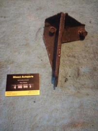 Bevestigingssteun stabilisator achteras links Nissan 56312-58Y00 B13/N14