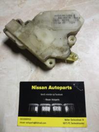 Deurslot mechaniek links Nissan Almera N16 / Nissan almera Tino V10 80553-61U66