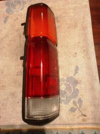 Achterlicht links Nissan King Cab D21 26526-23G10