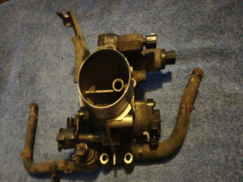 Gasklephuis GA16DE Nissan 16119-73C00 (incompleet)