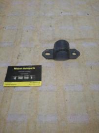 Bevestigingsbeugel stabilisatorstang vooras Nissan 54614-D4000 T12/T72/U11/Y60