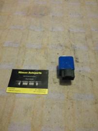 Relais elektrische-raambediening Nissan Bluebird T12/T72 28457-D4000