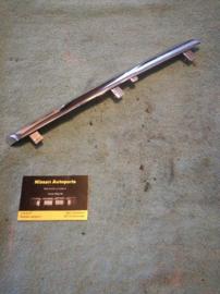Sierstrip grille Nissan Almera Tino V10 62382-BU000