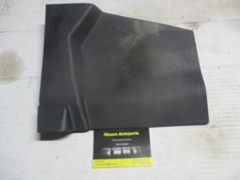 Zijafscherming middenconsole links Nissan Almera N16 68921-BN000