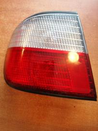 Achterlicht links buitenste Nissan Primera P11 - sedan 26555-2F025