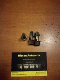 Bevestigingsbout aandrijfas vooras Nissan Terrano2 R20 39106-50W00