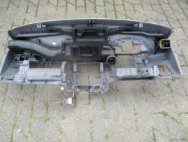 Dashboard Nissan Micra K11 68100-5F200