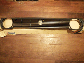 Grille Nissan Cherry N10 62312-M7910