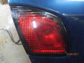 Achterlicht links binnenste Nissan Primera P11 - sedan 26555-9F528
