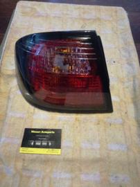 Achterlicht links buitenste Nissan Primera P11 - sedan 26555-9F527
