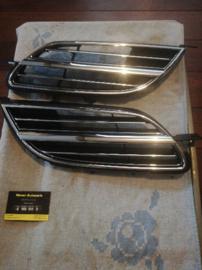 Chromen grille Nissan Almera Tino V10 F2310-5U000