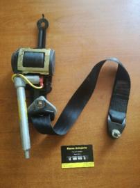 Veiligheidsgordelspanner Nissan Primera P11 / WP11. linksvoor 86885-9F510