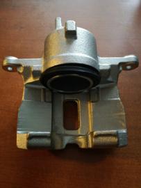Remklauw rechtsvoor Nissan 41001-2F522 N16/P11/WP11