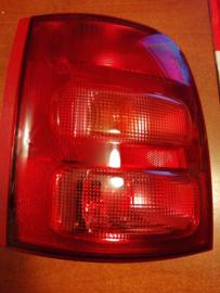 Achterlicht links Nissan Micra K11 B6555-1F505