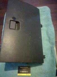 Dashboardkastje Nissan 68500-71Y03 B13/N14/Y10