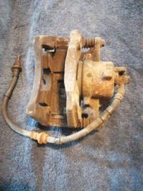 Remklauw rechtsvoor Nissan Primera P11 41001-2F021