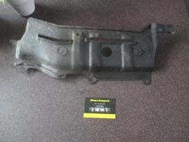 Afdekkap onderzijde links motorblok Nissan Micra K11 75899-5F000