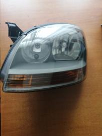 Koplamp links Nissan Almera Tino V10 26060-BU200