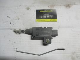 Motor centrale deurvergrendeling achterklep Nissan AlmeraN16 90550-BM600