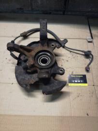 Wielnaaf Nissan Almera N15. linksvoor. ABS. 40015-0M005