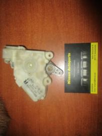Deurslot mechaniek rechts Nissan Almera N16 / Nissan Almera V10 80552-61U66